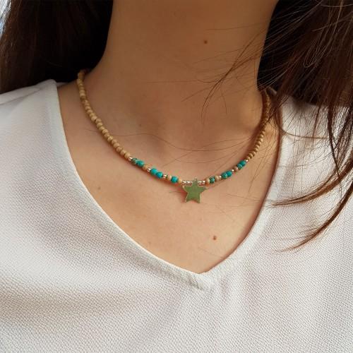 Le ras de cou est porté avec de la Jaspe impression turquoise