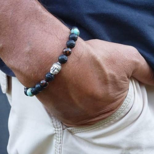 Le bracelet est porté avec de la Turquoise d'Afrique, de la pierre de lave et du bois d'Ebène tigre