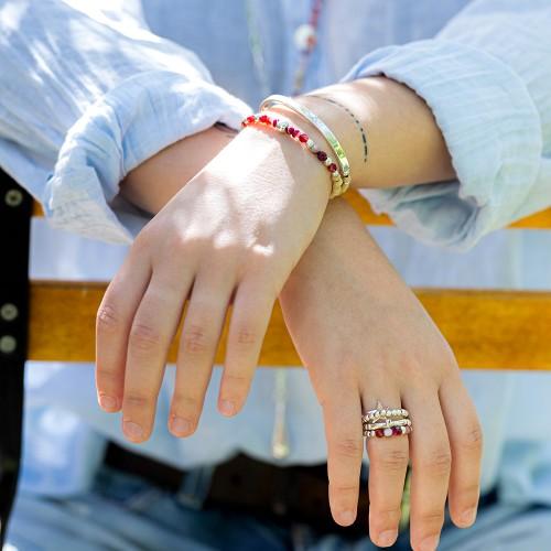 Bracelet porté avec de l'Agate rouge
